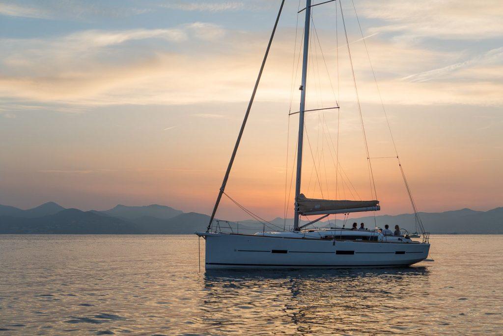 Couché de soleil du bateau Dufour 460