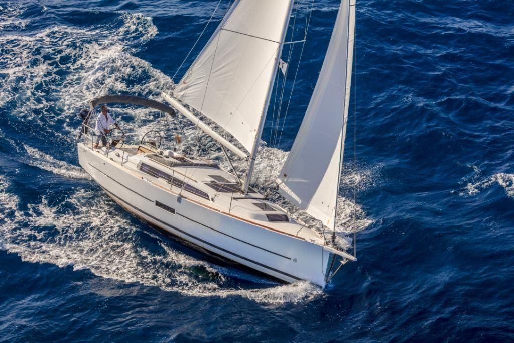 Image du bateau Dufour 360 en mer